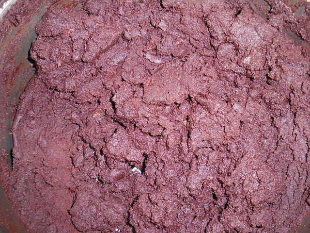 PATE DE CHOCOLAT NATUREL FAIT DANS UN VILLAGE DE LA LEKIE CENTRE CAMEROUN